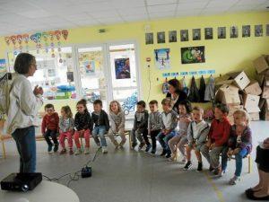 ecole-saint-joseph-les-enfants-decouvrent-les-abeilles_4007891_440x330p